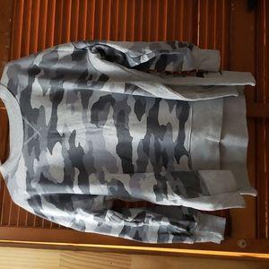 Aerie  L sweatshirt fits like XL